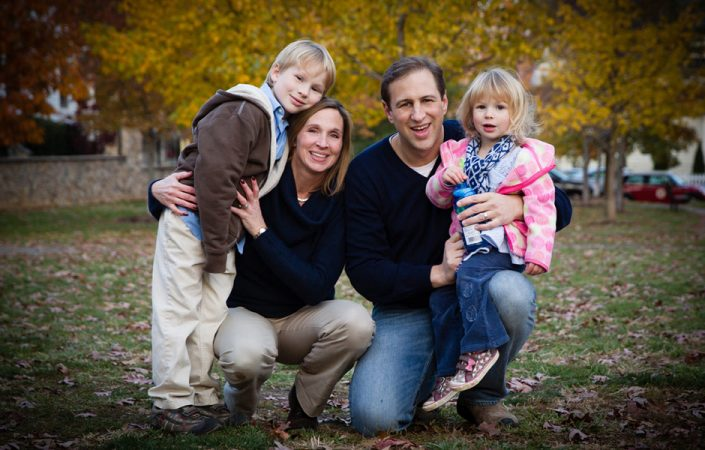 family couple wearing navy blue tops | Anne Lord Photography
