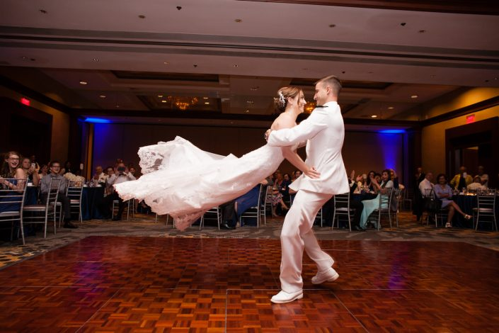 Newly Wed sweet couple dancing | Anne Lord Photography