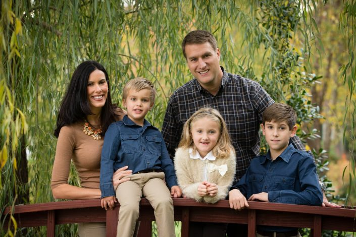 Happy Family with three kids | Anne Lord Photography
